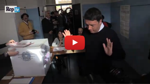 Referendum, Renzi si presenta al seggio senza documento: Ecco cosa è successo |VIDEO
