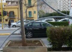 Forte vento a Palermo, caduti due pali dell'illuminazione |GUARDA LE IMMAGINI