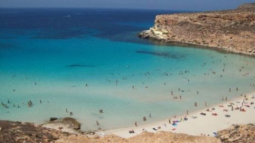 La spiaggia dei Conigli a Lampedusa è la più bella d'Italia