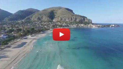 Altro che Caraibi! L'incantevole spiaggia di Mondello vista dall'alto |IL VIDEO