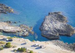 Tragedia a San Vito, turista dimentica freno a mano e cade a mare col camper