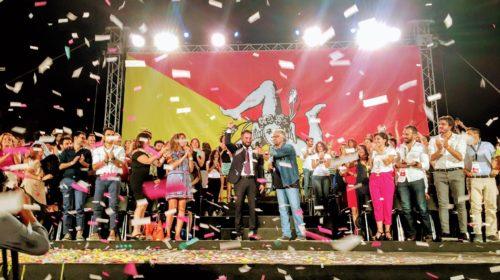 Giancarlo Cancelleri è il candidato Presidente della Regione dei 5 stelle, scelto dagli attivisti e incoronato da Grillo