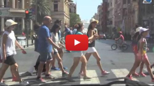 Pienone di turisti a Palermo, tanti i crocieristi in giro per il centro storico |IL VIDEO