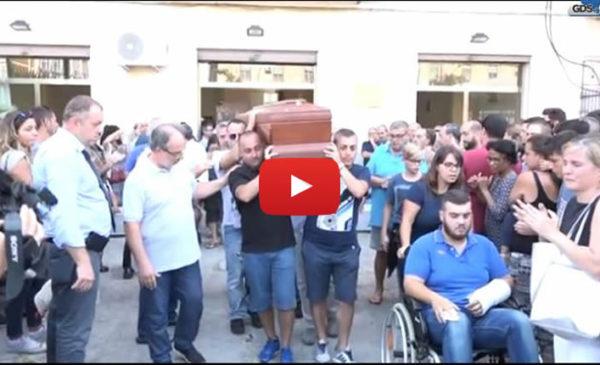 Tragedia sulla Palermo-Mazara, lacrime e dolore ai funerali della famiglia Orestano |IL VIDEO