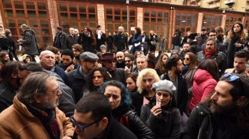 Palermo, folla di attori per il casting del film su Buscetta 🎬 FOTO