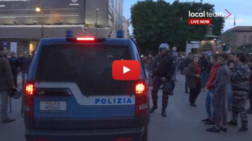 Sabato di tensione a Palermo. Schierati gli idranti della polizia: IN DIRETTA ADESSO 🎥