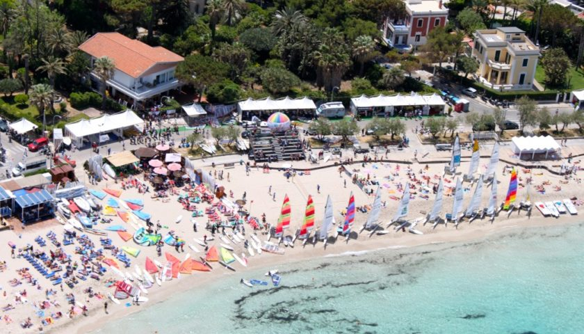 """Mondello, addio al World Festival On The Beach: """"Lungomare inaccessibile"""""""