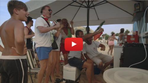 In spiaggia come allo stadio: A Mondello la partita dell'Italia si è vista così |IL VIDEO