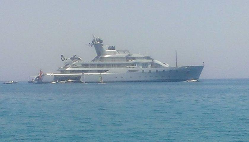 A Mondello lo yacht dell'uomo più ricco di Russia |FOTO