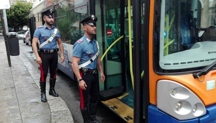 Palermo, addio furbi e rissaioli sui bus: adesso guardie giurate armate sulle 20 linee più utilizzate