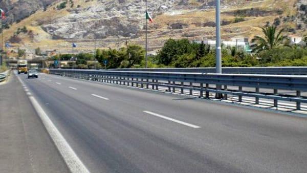 Auto contromano in autostrada, panico sulla Palermo-Mazara del Vallo