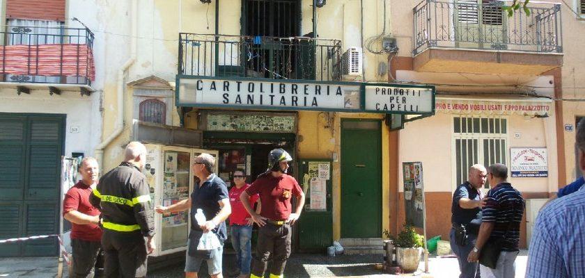 Palermo, si incendia il negozio: muore per salvare la moglie