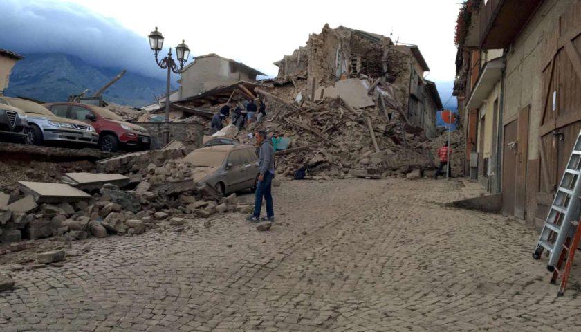 Fortissimo Terremoto nel Centro Italia: morti e feriti   Le immagini della devastazione