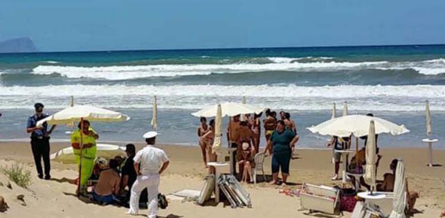 Tragedia a Balestrate, muore annegato in mare per salvare un ragazzino