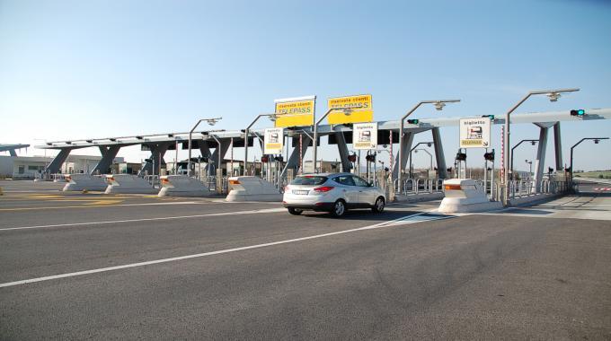 Addio autostrade gratis in Sicilia: Stangata entro un anno con caselli ovunque
