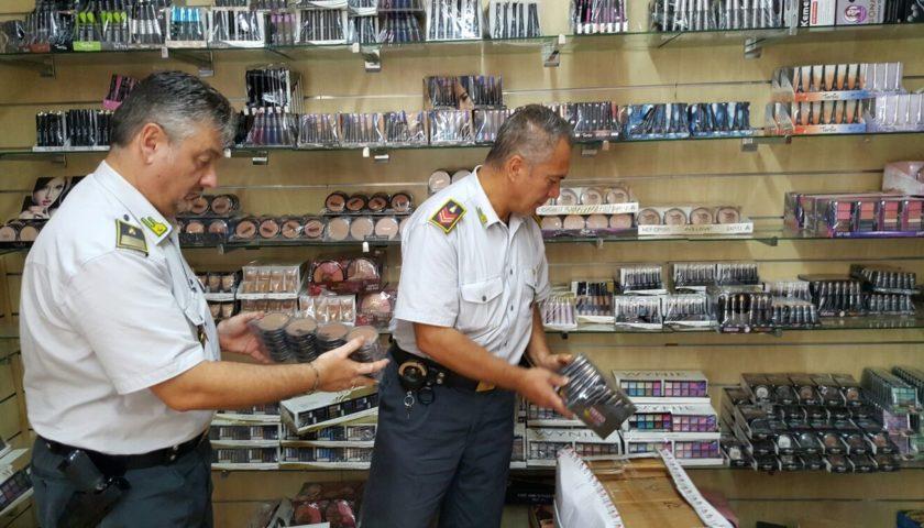 Cosmetici pericolosi per la salute sequestrati in un negozio a Palermo