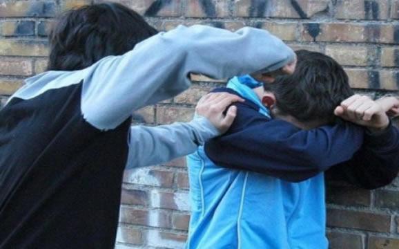 """Bullismo nella Palermo """"bene"""", insulti e botte al compagno atleta: 16enne denuncia i 7 persecutori"""