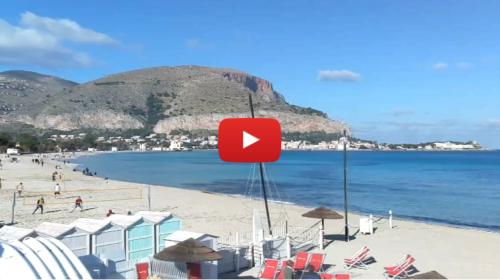 Palermo, vigilia di Natale in spiaggia a Mondello |VIDEO LIVE