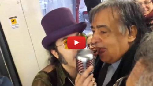 Palermo, concerto live al bordo del Tram: canta anche il Sindaco Orlando 🎥 VIDEO