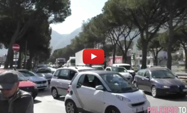 Ponte Corleone, al via i controlli sulla stabilità: traffico in tilt in viale Regione 🎥 VIDEO