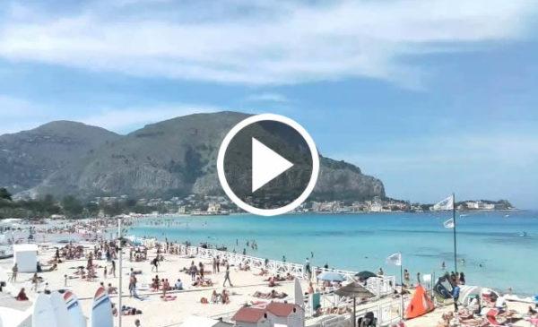 25 Aprile a Palermo, Guarda le spettacolari immagini dalla spiaggia di Mondello IN DIRETTA 🎥