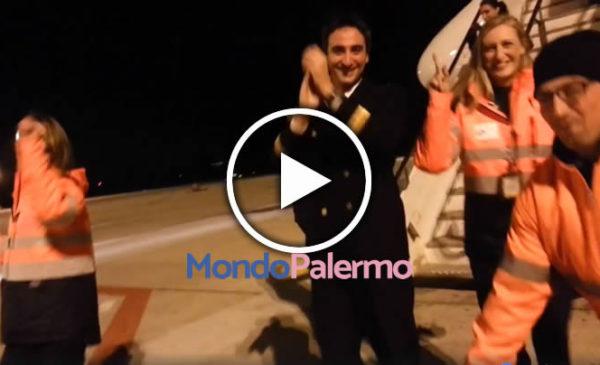 """Aeroporto di Palermo, il personale scende in pista e balla sulle note di """"Don't Worry"""" 🎥 IL VIDEO"""
