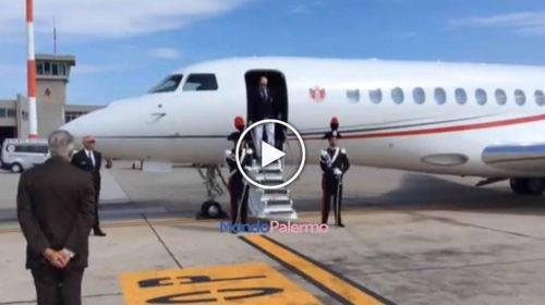 VIDEO: Il Principe Alberto di Monaco arriva all'aeroporto di Palermo