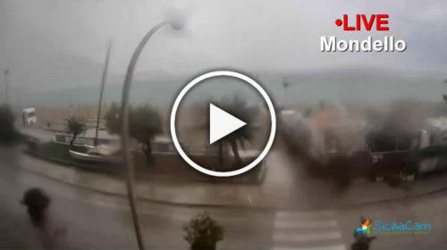 Nubifragio in corso a Mondello: Ecco le immagini IN DIRETTA