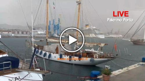 Temporale su Palermo ⚡☔ Ecco le immagini IN DIRETTA dalla webcam del Porto 🎥