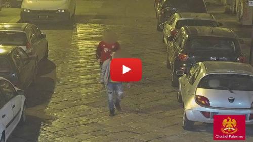 """Tre vandali in centro ripresi dalle telecamere HD del Comune, Orlando diffonde filmato: """"Li troveremo"""" 🎥 VIDEO"""
