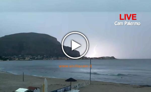 Maltempo su Palermo, temporale e piogge in corso: ecco le immagini IN DIRETTA 🎥⚡