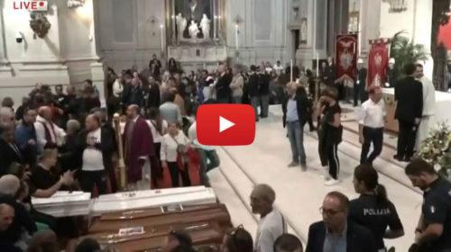 Palermo, i funerali delle vittime di Casteldaccia alla Cattedrale 🎥 VIDEO DIRETTA