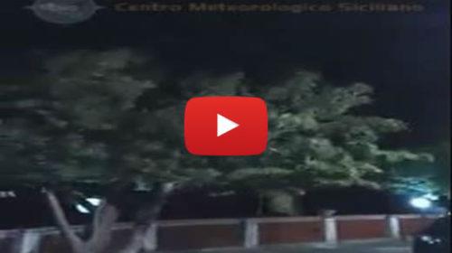 Forti raffiche di vento imperversano sul Palermitano e messinese 🎥 VIDEO