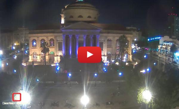 Il Teatro Massimo IN DIRETTA illuminato di viola contro il tumore al pancreas 🎥