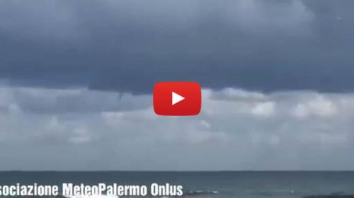 Palermo, Tromba marina stamani al largo di Mondello 🎥 VIDEO