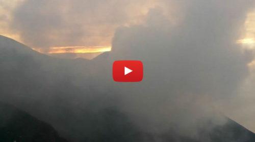 Sicilia, Eruzione Stromboli IN DIRETTA dalla webcam 🌋