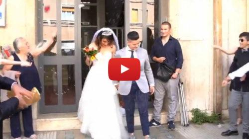 A lieto fine la storia delle due donne siciliane Denise e Debora. Le immagini del matrimonio 🎥 VIDEO