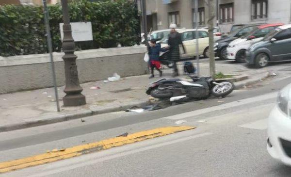 Incidente in via Libertà, motociclista ferito trasportato in ospedale – LE IMMAGINI