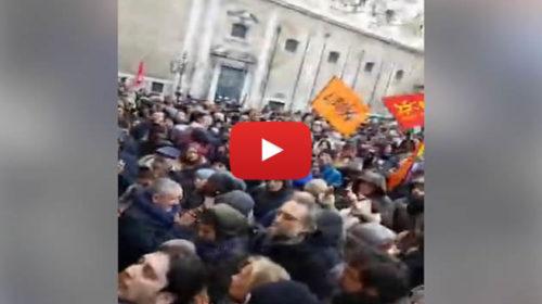 """Manifestazione a Palermo per dire """"No al Decreto sicurezza"""". Orlando attacca il Governo 🎥 VIDEO"""