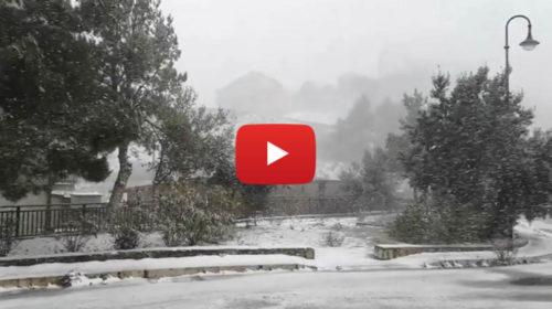 Bufere di neve nell'entroterra del palermitano, situazione LIVE a Prizzi – VIDEO