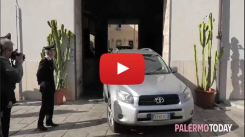 Omicidio dello Zen, il giovane arrestato esce dalla caserma dei carabinieri | VIDEO 🎥
