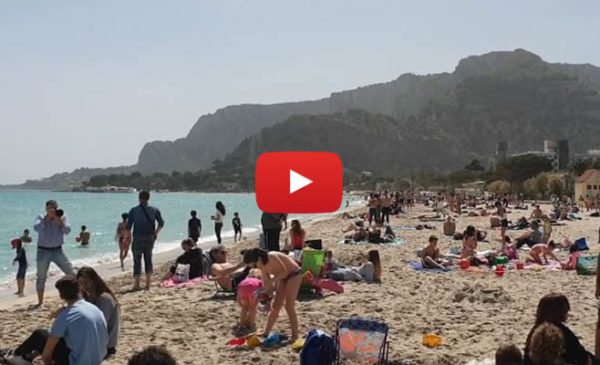 Mondello oggi 24 Aprile 2019 ☀ Spiaggia presa d'assalto: le immagini 🎥 VIDEO