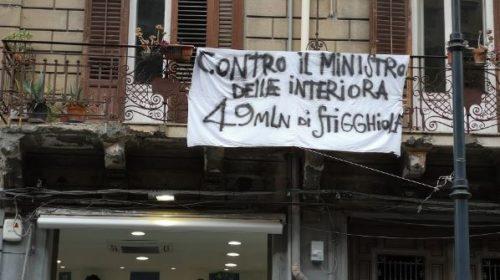Spuntano striscioni contro il ministro Salvini domani in arrivo a Palermo (FOTO)