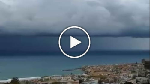 Maltempo: spettacolare e inquietante cella temporalesca a largo di Cefalù | VIDEO 🎥