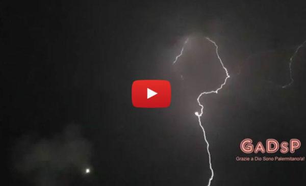 Il Festino di Santa Rosalia tra fuochi e fulmini: le spettacolari immagini dal Foro Italico ⚡ VIDEO