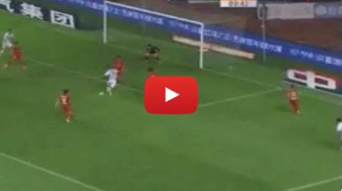 Colpo di classe al 90′: l'incredibile gol dell'ex Palermo Zahavi nel campionato cinese 🎥 VIDEO