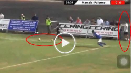 Raccattapalle antisportivo lancia pallone in mezzo all'area di rigore: l'arbitro assegna ugualmente il Gol al Palermo  VIDEO 🎥