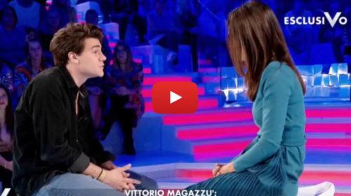"""Verissimo, Vittorio Magazzù il figlio di Rosy Abate: """"Io tifosissimo del Palermo!"""" 📺 VIDEO"""