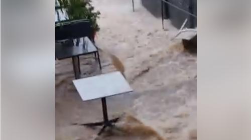 Nubifragio su Cefalù, i vicoli sono fiumi in piena: le immagini | VIDEO 🎥