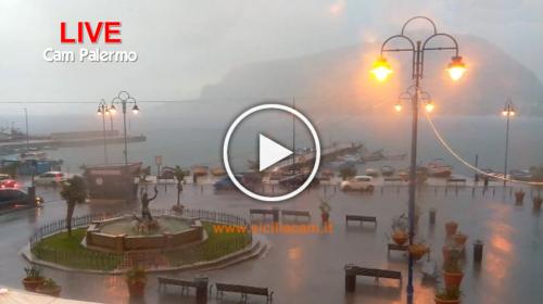Linea temporalesca insiste nel palermitano: le piogge arrivano in città! Le immagini IN DIRETTA 🌩📹